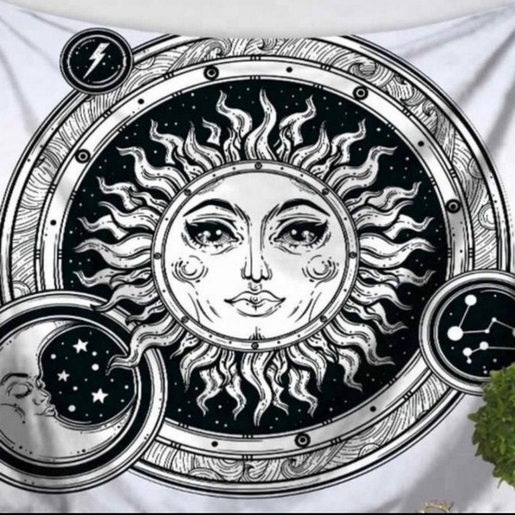 Freebird Revolution Other - Sun & Moon Bubbles Tapestry